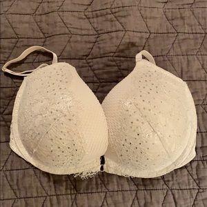 NWOT Victoria's Secret push up bra